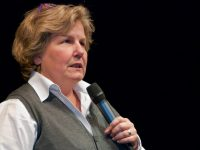 Sandi Toksvig quits 'News Quiz' to set up Women's Equality Party